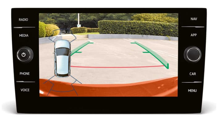2018 VW Polo's reverse camera screen